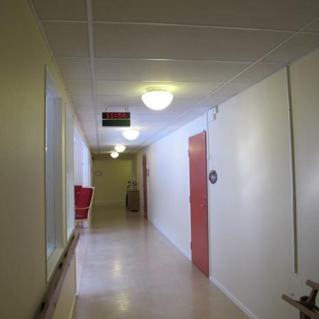 Korridor som behöver nytt. Hammargården Jönköping