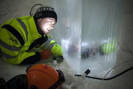 ICEHOTEL ishotellet Jukkasjärvi snow snö ice is lighting design ljusdesign LED northen sweden norrland norra sverige kiruna Torne älv river frozen water design